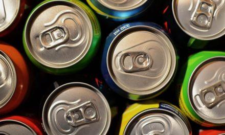 Rozsáhlý výzkum spojuje dietní limonády s infarktem a mrtvicí