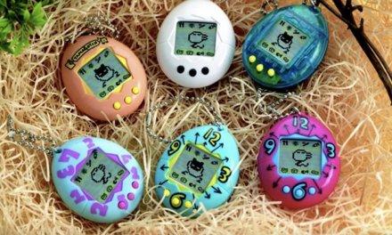 Kultovní hračka Tamagotchi je zpátky a internet z toho blázní