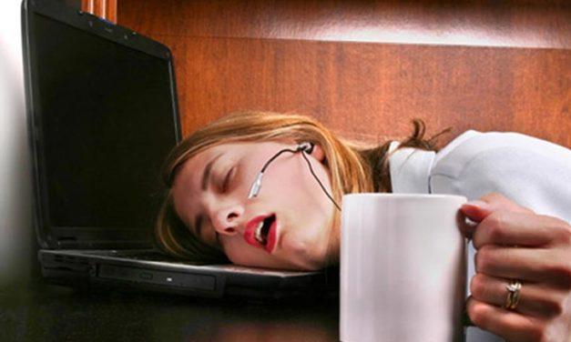 10 špatných návyků, které vám kradou energii, a jak se jich zbavit
